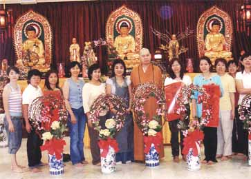 VENERABLE MING JI Organized Floral Classes